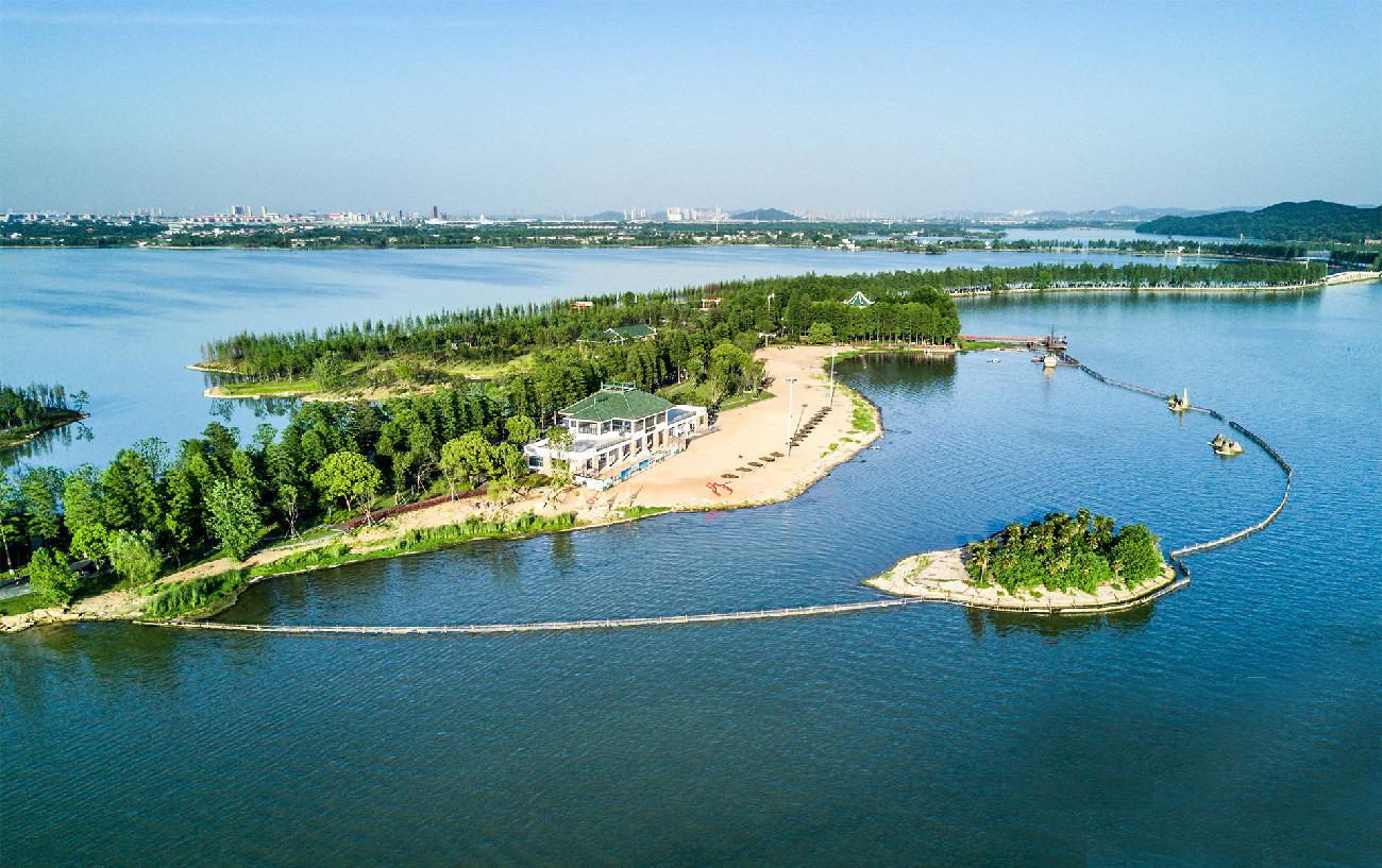 """享绿色之趣行""""为设计构思,将东湖绿道郊野段打造成东湖风景区乡村主题"""